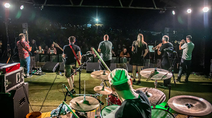 Mighty Vipers at Farmer Phil's Festival 2021